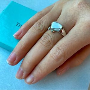 🛍 Tiffany & Co. Elsa Peretti Silver Heart Ring